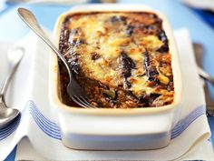 A simple Moussaka recipe for you to cook a great meal for family or friends. Buy the ingredients for our Moussaka recipe from Tesco today. Lamb Sauce, Tesco Real Food, Dutch Recipes, Eat Smarter, Relleno, Casserole Dishes, Carne, Macaroni And Cheese, Good Food