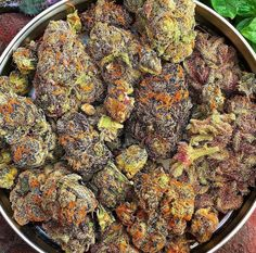 All sorts of #cannabis for everyone! woahstork.com delivers!