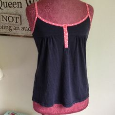 """Selling this """"Boden Tank Top"""" in my Poshmark closet! My username is: clothingqueen. #shopmycloset #poshmark #fashion #shopping #style #forsale #Boden #Tops"""