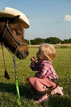 Dressed up pony getting instructions. Love the look on the pony's face! Animals For Kids, Animals And Pets, Baby Animals, Cute Animals, Beautiful Horses, Animals Beautiful, Cute Kids, Cute Babies, Animal Pictures