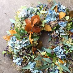 Floral Wreath, Wreaths, Autumn, Home Decor, Flowers, Homemade Home Decor, Door Wreaths, Fall, Deco Mesh Wreaths