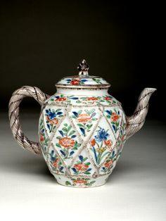 RP: Chinese Porcelain Tea Pot santoslondon.com