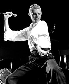 David Bowie as The Thin White Duke by Govert De Roos, 1976 Glam Rock, Divas, David Bowie Starman, Ziggy Played Guitar, Station To Station, Foto Poster, The Thin White Duke, Tribute, Major Tom