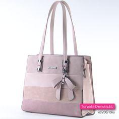 Torebka w modnych pastelowych odcieniach koloru różowego - nowość - model praktyczny, elegancki i efektowny na ramię - mieści A4, ozdobna kokarda na łańcuszku z przodu