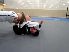 Loop choke from side control with Andrew Mclauchlan Jiu Jitsu Training, Mma Training, Jiu Jitsu Techniques, Ju Jitsu, Combat Sport, Brazilian Jiu Jitsu, Yoga, Boxing Workout, Aikido