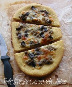 Pizza di pane con melanzane e scamorza | ricetta vegetariana