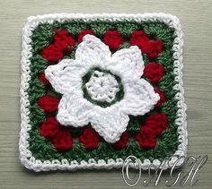 Christmas Granny Square - free crochet pattern