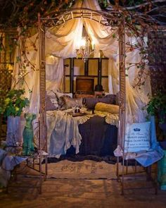 A secret place to snuggle and read...I would LOVE to walk out back on my way to this to relax and read!