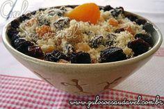 A Farofa com Nozes e Frutas Secas é uma opção muito light, mas continuando a ser deliciosa. #Receita aqui: http://www.gulosoesaudavel.com.br/2011/12/19/farofa-com-nozes-frutas-secas/