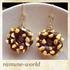 こんにちわ。ramune-worldのkeiです。作品を見てくださってありがとうございます。ポンテリングにチョコレートをコーティングしてナッツをたっくさんまぶ... ハンドメイド、手作り、手仕事品の通販・販売・購入ならCreema。