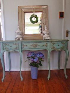 D.D.'s Cottage and Design: Frenchy Desk