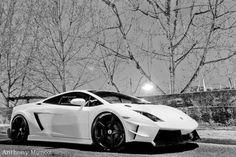 Lamborghini Gallardo... love white cars with black wheels