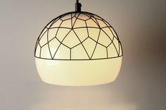 Wil je meer inspiratie over verschillende stijlen voor je interieur? Check onze website! Table Lamp, Ceiling Lights, Website, Lighting, Pendant, Home Decor, Contemporary Lamps, Table Lamps, Decoration Home