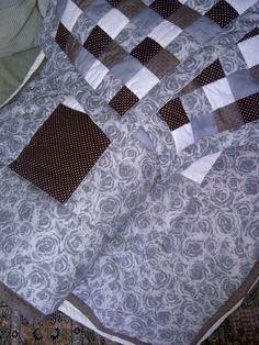 Realizované zakázky Quilts, Blanket, Home, Scrappy Quilts, Quilt Sets, Ad Home, Blankets, Homes, Log Cabin Quilts