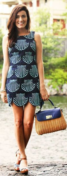 Lilly Pulitzer Bi Tone Blue Embroidered Scallop Print Dress