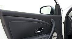 Les rétroviseurs extérieurs de la Mégane sont rabattables électriquement et chauffants, un équipement utile en hiver.
