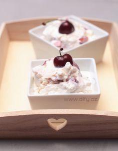 Recept na domácí jogurtovou zmrzlinu s třešněmi Cereal, Breakfast, Food, Morning Coffee, Essen, Meals, Yemek, Breakfast Cereal, Corn Flakes