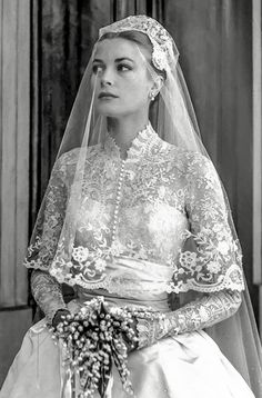 Grace Kelly Wedding Dress Because of the close friendship between the two women, Edith Head assumed that she would be asked to design the wedding dress. Instead, Helen Rose, a costume designer in the...