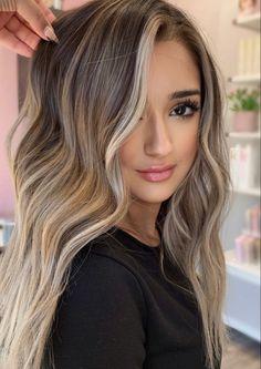 Balayage Hair Blonde, Fall Balayage, Blonde Hair Inspiration, Fall Hair Colour, Hair Colors, Blonde Hair Looks, Light Hair, Gorgeous Hair, Long Highlighted Hair