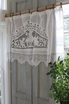 Rideaux en tamine de lin et cantonni re avec un drap ancien - Rideaux style cottage ...