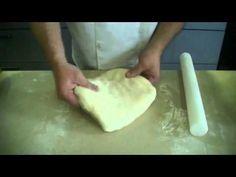 Technique de cuisine : préparer une pâte levée feuilletée - YouTube Pie Crust Recipes, Tips & Tricks, Base, Flan, Kitchen Hacks, Nutrition, Bread, Cooking, Breakfast