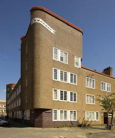 Amsterdamse School - Amsterdam De Dageraad