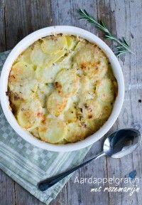Lekkere aardappelgratin met prei en rozemarijn | recept via Brenda Kookt, klik op bron foto voor het recept