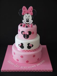 Minnie themed 1 year birthday cake