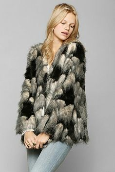 { Ladakh Pieced Faux Fur Jacket }