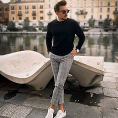 Men's Suits - 5 Men's Style Trends For 2018 & How To Wear Them - Herren- und Damenmode - Kleidung Stylish Mens Outfits, Casual Outfits, Men Casual, Men Fashion Casual, Mens Fashion Trends 2019, Mens Trends, Latest Fashion Trends For Men, Mens Smart Fashion, Men's Formal Fashion