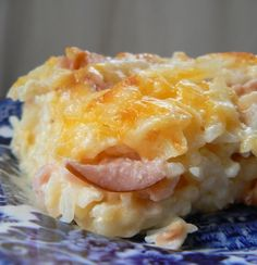 *Cheesy Ham & Hash Brown Casserole (sub fat-free sour cream, low fat cheese & 98% fat-free cream of chicken soup; omit butter)