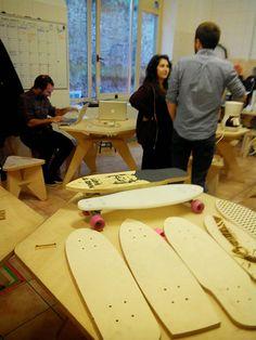 """SKATEBOARD DIY: Surf in The Street +  Arquimaña http://www.arquimaña.com/ https://www.facebook.com/SurfingTheStreet?ref=ts&fref=ts        En el siguiente post se explicará el proceso de la creación de tu """"skate"""" a partir de un diseño en CAD . Para ello necesitaremos los siguientes materiales y herramientas:  MATERIALES: tabla de madera/plás"""