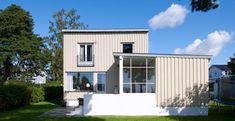 BLEK SAND Tiny Houses, Garage Doors, Outdoor Decor, Home Decor, Small Homes, Small Houses, Interior Design, Tiny Homes, Home Interior Design