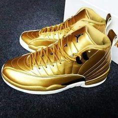 ✨follow ya girl for more bomb-ass pins @melaninplug12 ✨ Sneakers Fashion, Shoes Sneakers, Fashion Outfits, Gold Sneakers, Gold Shoes, Jordan Swag, Lit Shoes, Fresh Shoes, Hype Shoes