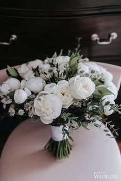 On-Trend Elegance - WedLuxe Magazine White Wedding Bouquets, Bride Bouquets, Flower Bouquet Wedding, Rose Bouquet, Floral Wedding, Our Wedding, Dream Wedding, Wedding Details, Flower Arrangements