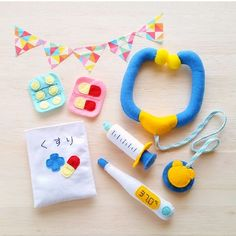 «受注制作»フェルトのお医者さんごっこセット 2x Diy Gifts For Kids, Craft Gifts, Diy For Kids, Crafts For Kids, Sewing Toys, Sewing Crafts, Felt Crafts, Diy And Crafts, Felt Games
