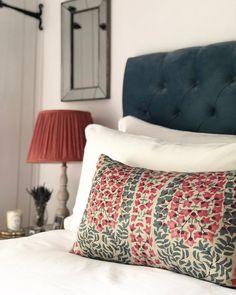 Spanish Home Interior .Spanish Home Interior Beautiful Houses Interior, Beautiful Bedrooms, Home Bedroom, Master Bedroom, Hotel Bedroom Decor, Bedroom Ideas, Interior Exterior, Home Interior Design, Ideas Dormitorios
