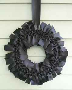 DIY Elegant Halloween Ribbon Wreath