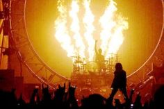 Pressparty: Mötley Crüe heads to the UK bringing Tommy Lee