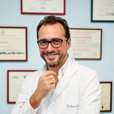 Dr. Manuel Sancho La Endoscopia Mamaria supone un #aumento de senos sin #cicatriz mamaria: Mamoplastía por vía axilar endoscópica.  http://www.marbellahighcare.com/servicios/cirugia-estetica-plastica-y-reparadora/unidad-de-endoscopia-mamaria/ PIDA SU CITA AHORA!