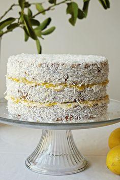 Cake Mix Recipes, Bakery Recipes, Snack Recipes, Vegan Lemon Cake, Vegan Cake, Sugar Free Desserts, Sweet Desserts, Vegan Sweets, Vegan Desserts