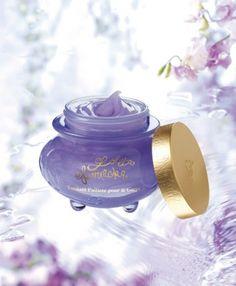 Lolita Lempicka body cream/glitter:) Dkny Perfume, Ariana Grande Perfume, Lolita Lempicka, Coco Chanel, Perfume Bottles, Fragrance, Glitter, Engagement Rings, Beauty Products