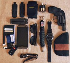 Edc Essentials, Edc Bag, Edc Tactical, Headphones With Microphone, Sometimes I Wonder, Edc Everyday Carry, Edc Tools, Carry On, Cufflinks