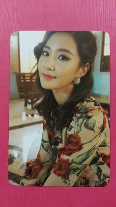 SNSD YURI Official Photo Card 5th LION HEART #1 Girl's Generation Photocard