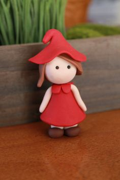 Hand Sculpted Female Gnome Polymer Clay Terrarium by GnomeWoods Polymer Clay People, Polymer Clay Figures, Polymer Clay Dolls, Polymer Clay Projects, Diy Clay, Clay Crafts, Paper Clay, Clay Art, Female Gnome