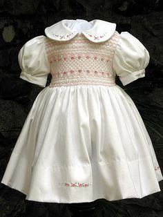 Hand smocked dress by rosgwyn, via Flickr