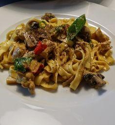 Gry´s Kjøkkenskriverier: Kyllingcurry med sopp og pasta