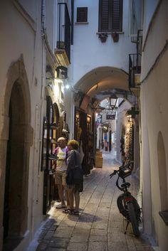 Sperlonga har ikke bare lange, hvite strender og klart vann, men også denne fantastiske gamlebyen. Lar du deg friste? Det bør du! Italia