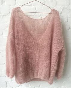 Soft mohair pullover by Patkas Pullover Oversized pullover Pullover Pink, Oversize Pullover, Chunky Knit Cardigan, Mohair Sweater, Chunky Knits, Sweater Knitting Patterns, Easy Knitting, Knitting Designs, Crochet Shirt