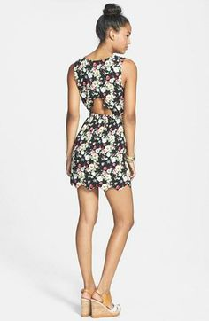 Wearing this floral cut-out dress on the weekend!